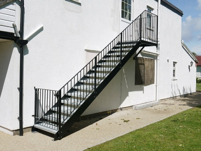 commercial straight ​​staircases
